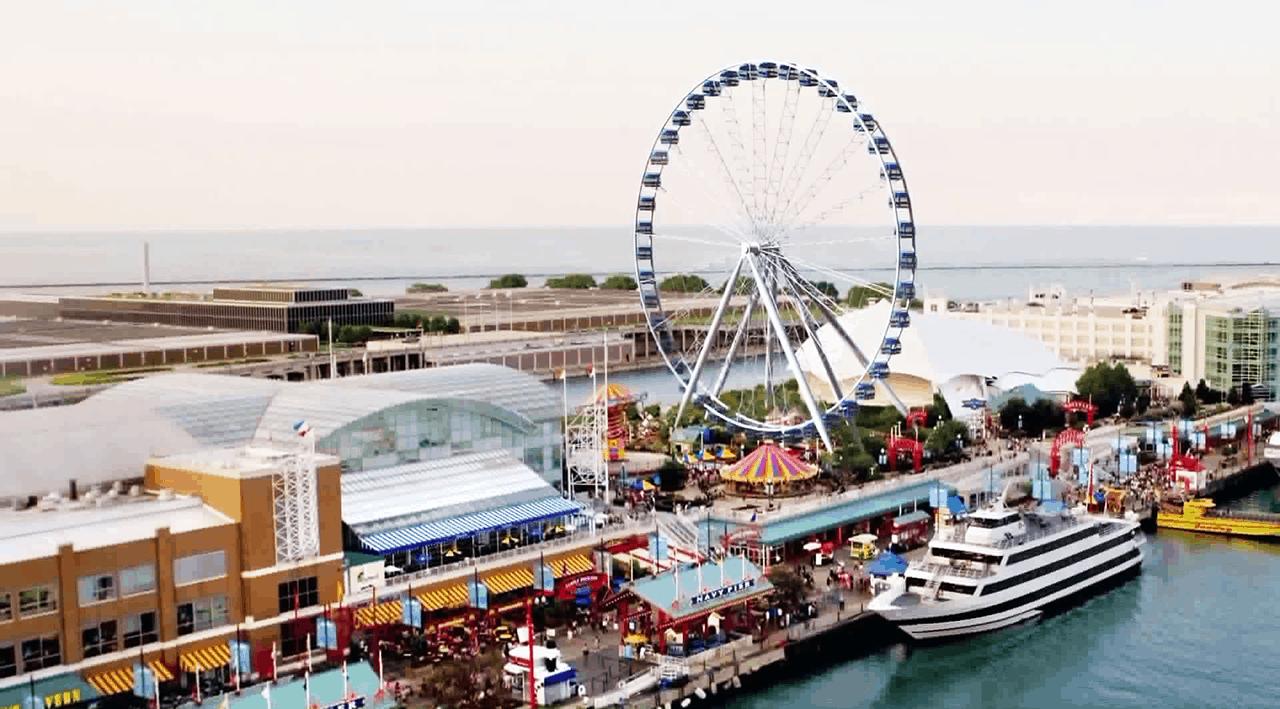 Chicago S Navy Pier Centennial Wheel Town Amp Tourist