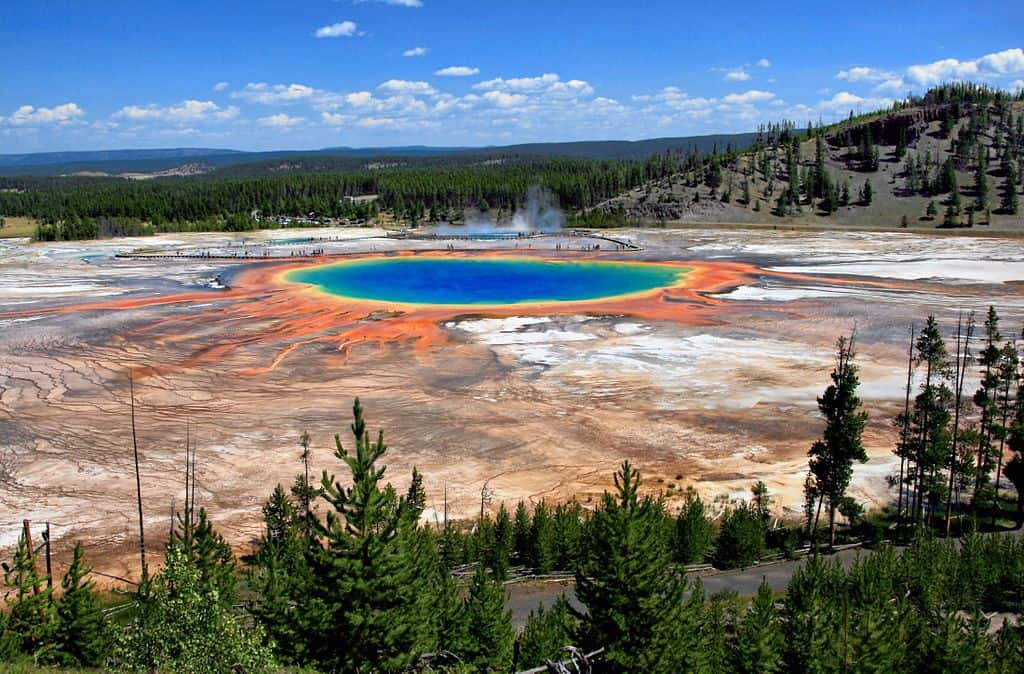 Grand Prismatic Spring, Yellowstone National Park, WY | By Brocken Inaglory, via Wikimedia Commons.