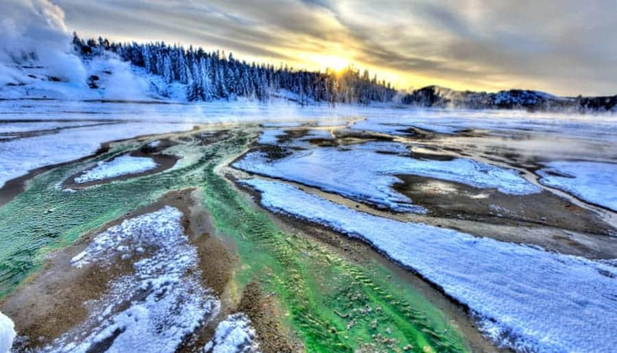 Yellowstone-winter-camping