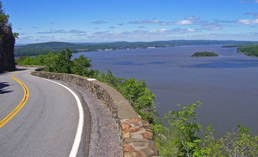 Route 9w to storm king highway New York - Best U.S Driving roads, Road trip Ideas.