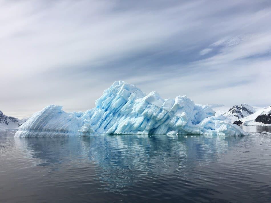 Antarctica - No Fly Zone, Flight Paths over Antarctica.