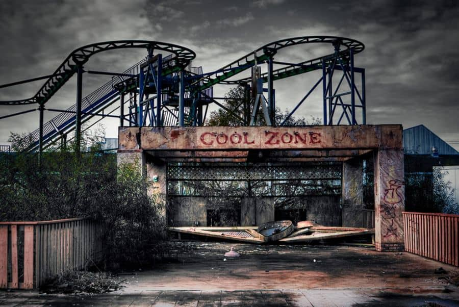 Spooky Amusement Parks - Six Flags, New Orleans.