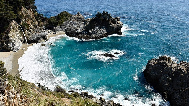 julia-pfeiffer-burns-state-park-California