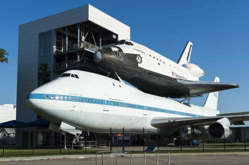 Space-Center-Houston-Road-Trip with public transport