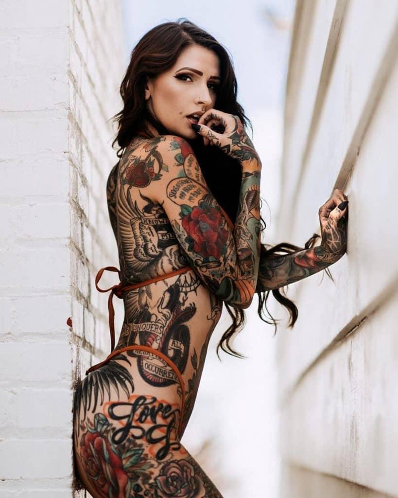 Tattoo-Expo-Woman-Model-Full-Body