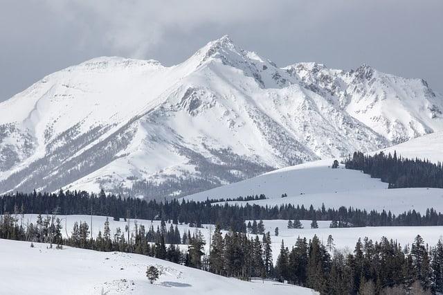 Winter-Electric-peak-montana