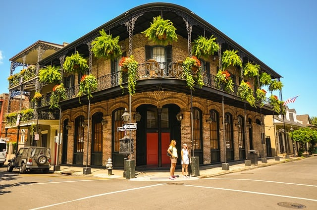 New-Orleans Road trip with Bus USA/Public Transport Road Trip