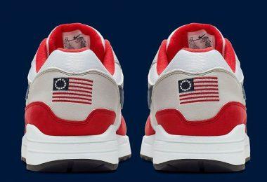 Nike Betsy ross Flag, 13 colonies flag sneakers.