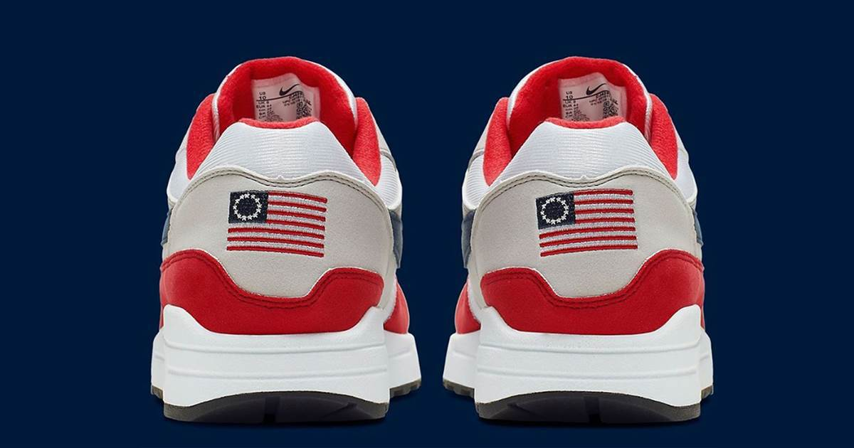 Nike Betsy ross Flag, 13 colonies flag sneakers.