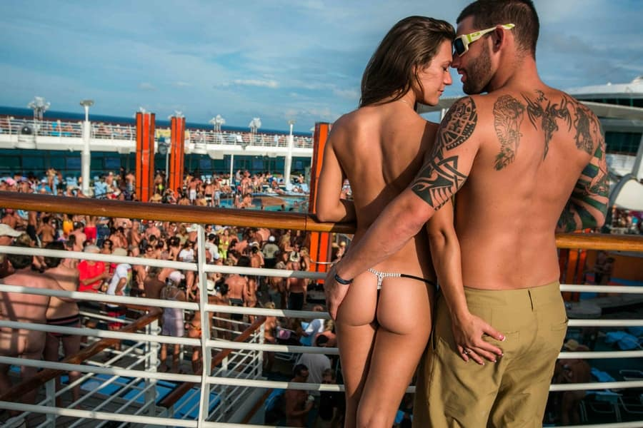 Cruise-Swingers-Couples-adults-only