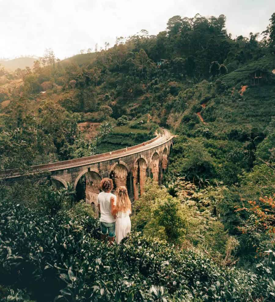 Ella-Sri-Lanka-Nine-arch-bridge-couple-honeymoon