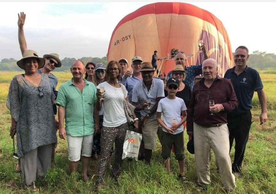 Hot-Air-Balloon-Rides-Sunrise-tour-Sri-Lanka-Champagne