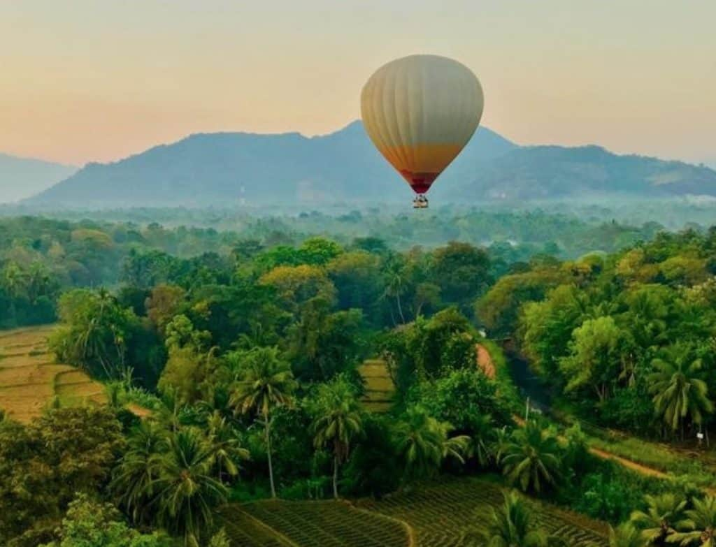 Hot-Air-Balloon-Tour-Dambulla
