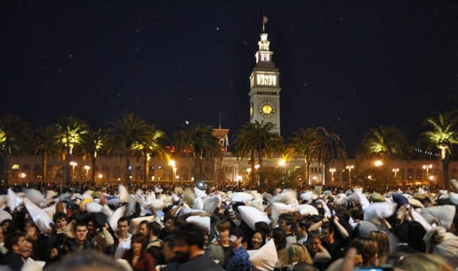 San-Francisco-Pillow-fight