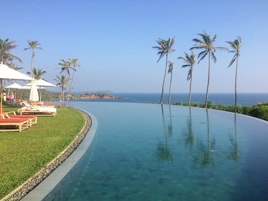 infinity-pool-Cape-Weligama