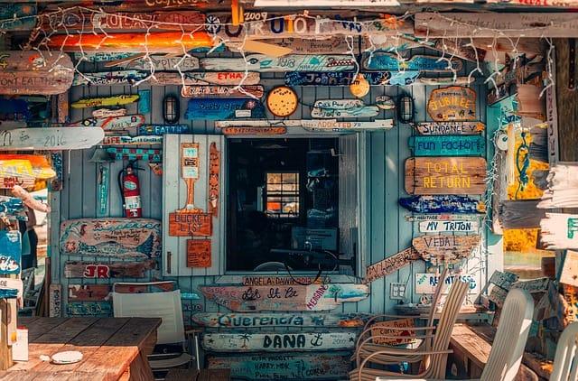 bahamas-Things to do-Itinerary- Sign post bar
