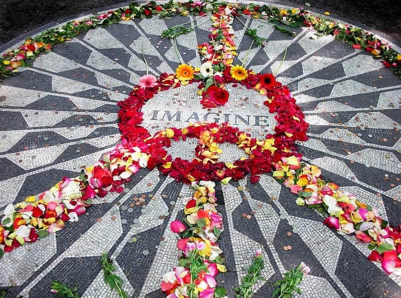john-lennon-grave-memorial-in-central-park