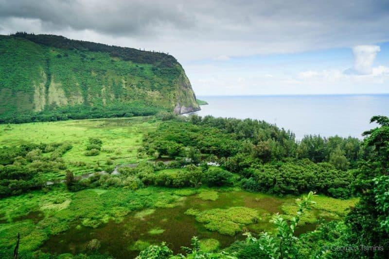 waipio-valley-Hiking-hawaii-