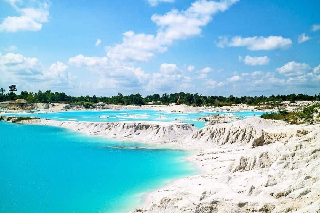 Kaolin Lake bangka Island