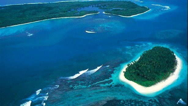 Pulau Sipora (Sipora Island)