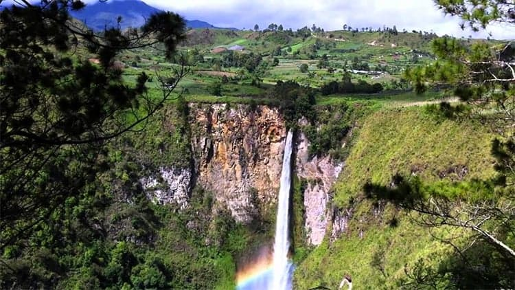 Sipiso-Piso - Indonesias Tallest Waterfall 1