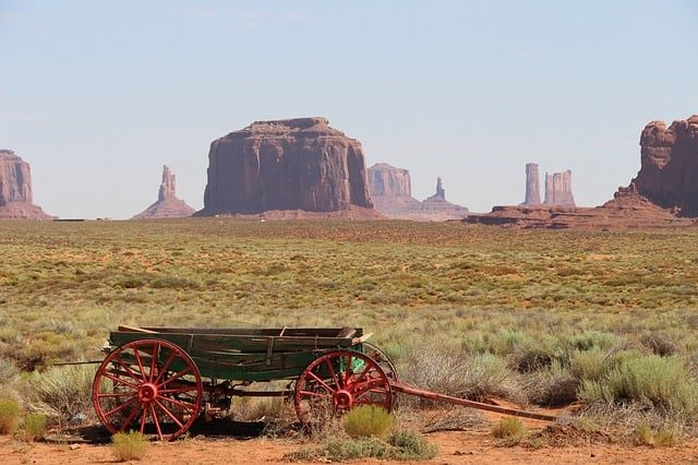 monument-valley-1756466_640 (1)