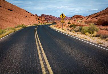 road-1030888_640