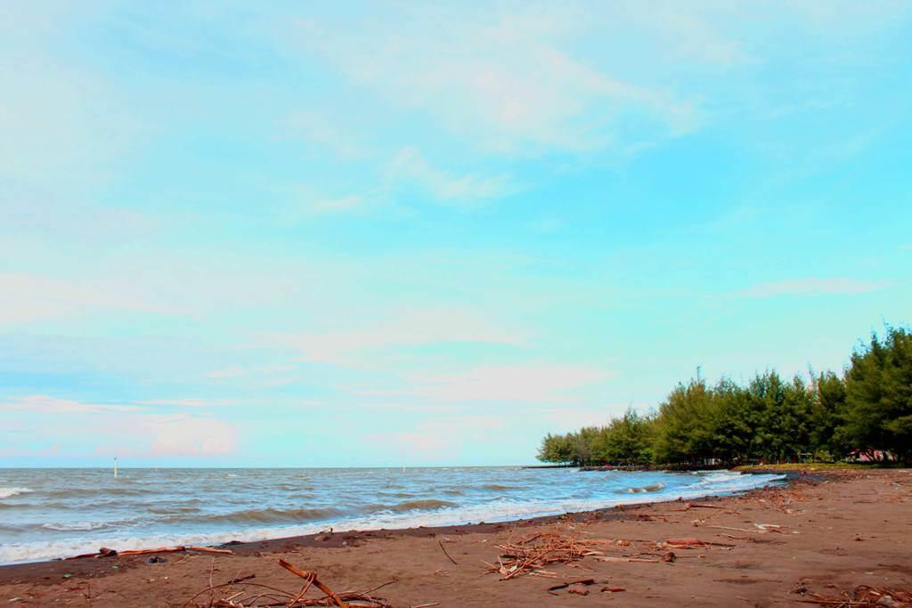 Slamaran Beach
