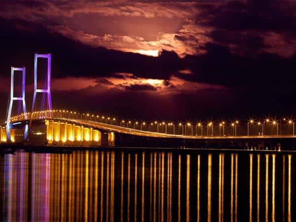suramadu-bridge