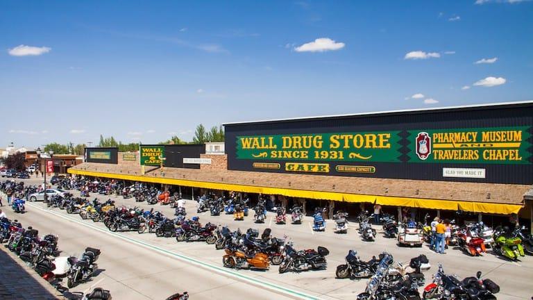 wall-drug-storefront