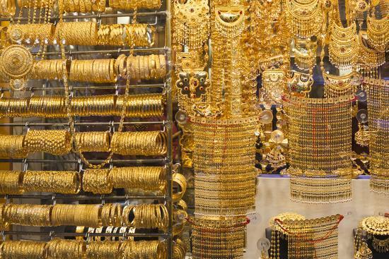 uae-dubai-deira-gold-souk-gold-jewelry_