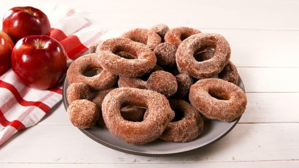delish-apple-cider-donuts-new hampshire