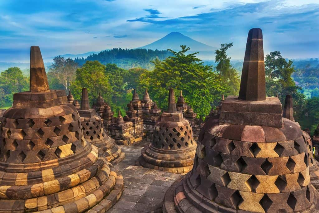 Candi-Borobudur-temple-structure-in-Yogyakarta-Java-Indonesia-1024x683
