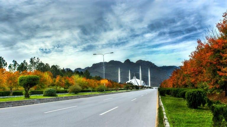 Motorcycling in Pak.